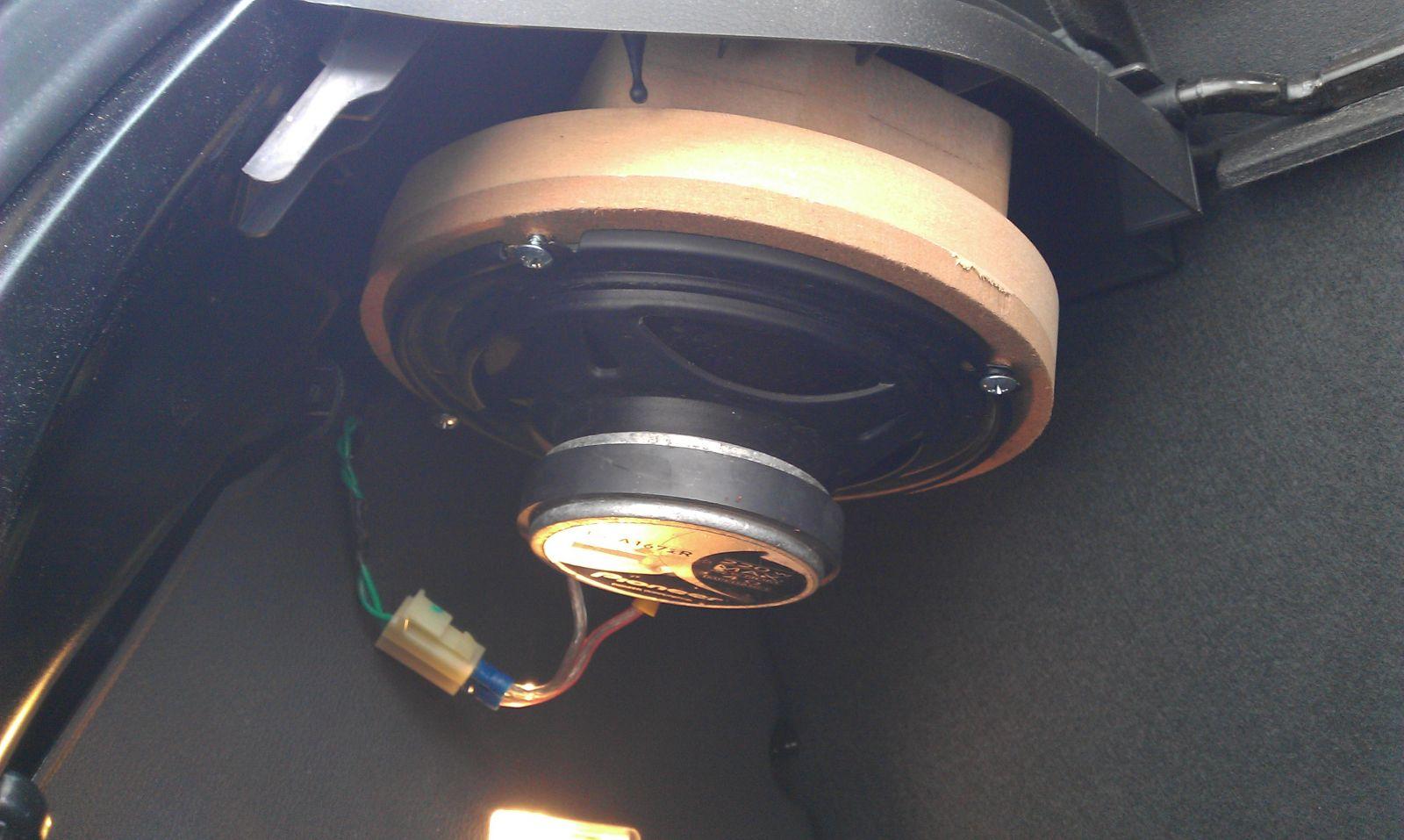 """Pioneer 6.5"""" speaker mount04"""